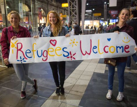 refugees welcome girls
